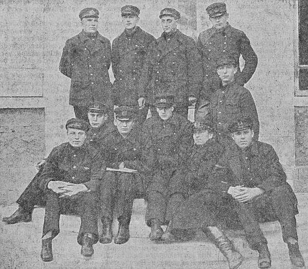 Второй нормальный выпуск Военной школы морской авиации имени Л.Троцкого 29 марта 1925 г.